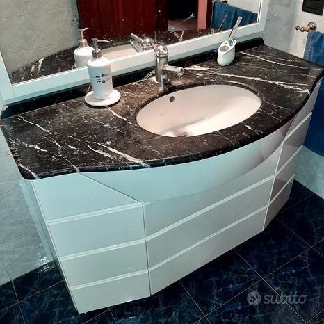 Mobile bagno con specchiera