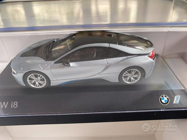 Modellino BMW i8 con welcome pack