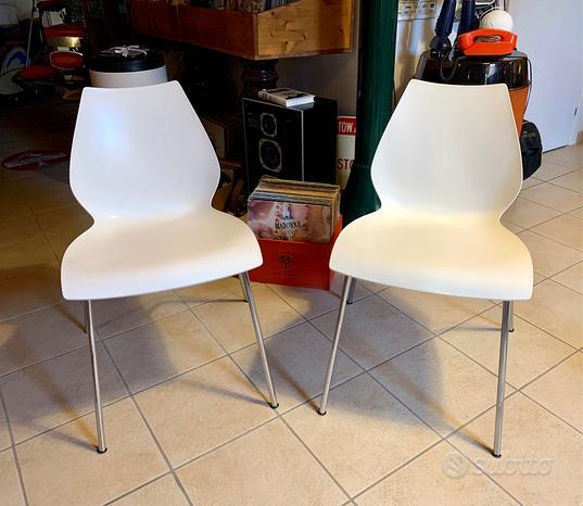 Kartell 2 Sedie Chair MAUI By Vico Magistretti