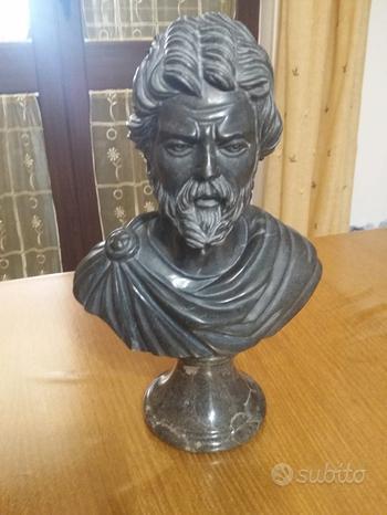 Busto scultura imperatore romano in marmo