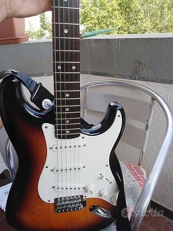 Squier by Fender Stratocaster Sunburst