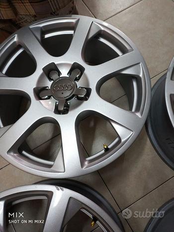4 cerchi in lega Audi nuovi come da foto Audi