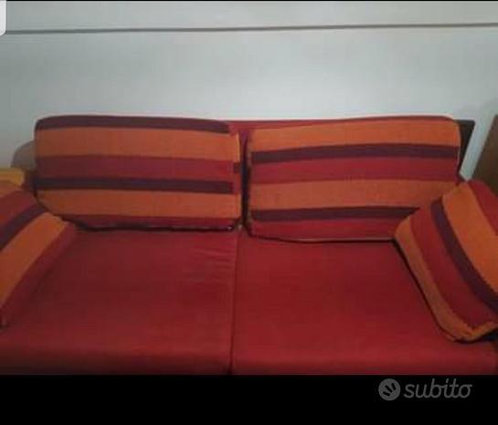 2 divani identici da soggiorno