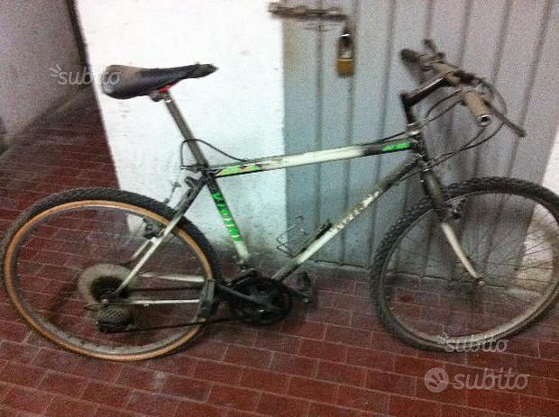 Mountain bike taglia 26 marca Vicini