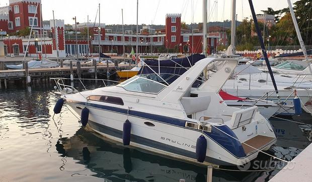 Barca natante Bayliner 2755, 8 posti usata