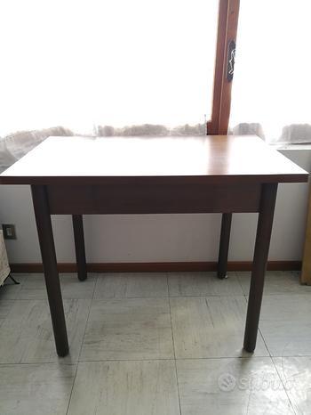 Tavolo cucina + 4 sedie