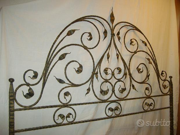 Testiera artigianale in ferro battuto