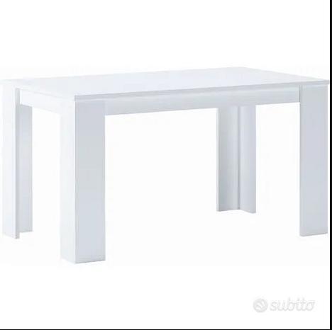 Tavolo da pranzo bianco con lastra di ventro nero