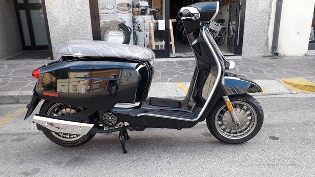 Lambretta V 125 Special E5 colore nero