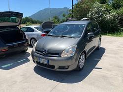 TOYOTA Corolla Verso D-4D -7 POSTI-