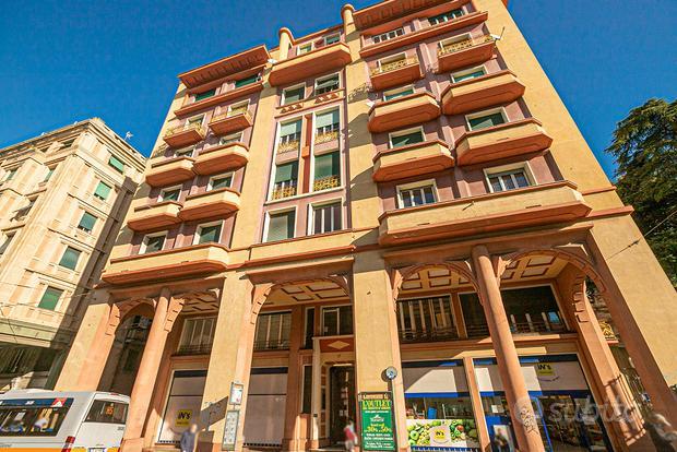 Appartamento a Genova, via Cantore 17, 4 locali