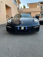 Porsche 911 992 Carrera 4