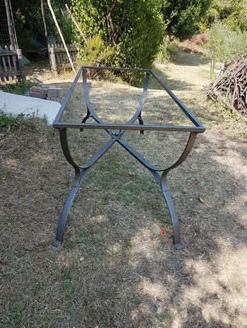 Struttura in ferro per tavolo