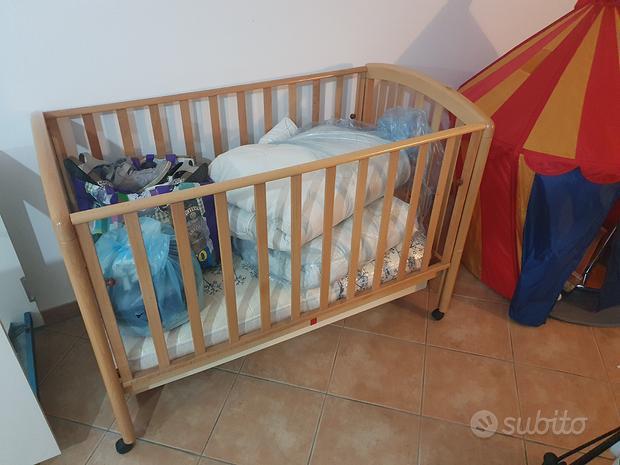 Lettino per neonati con sponde