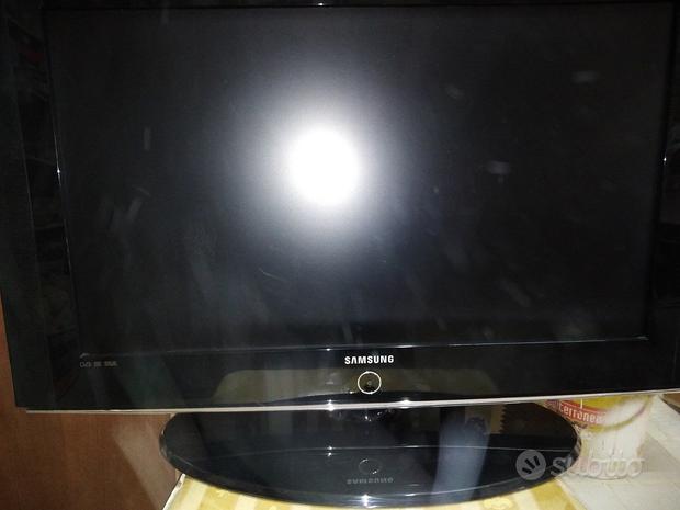 TV Samsung 32 pollici colore nero