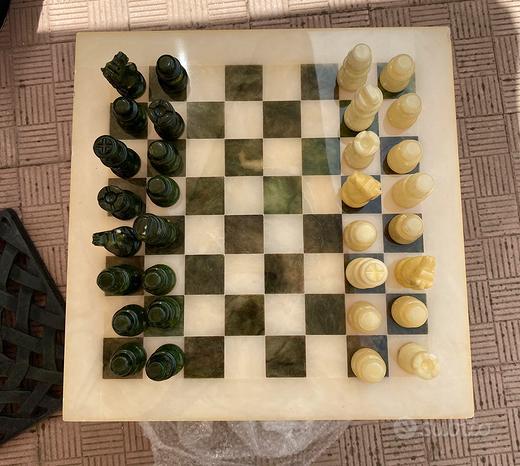 Tavolino scacchiera in marmo