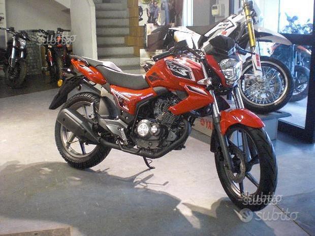 New Naked Benelli RKS 125 Red