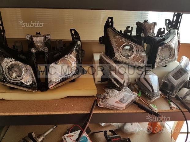 Gruppo ottico / fanale anteriore Yamaha Tmax 530