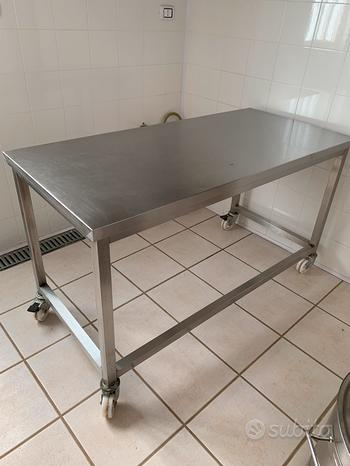 Tavolo acciaio per laboratorio con ruote