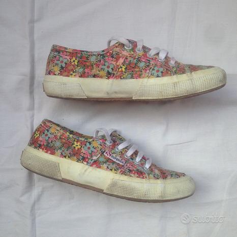 Sneakers scarpe superga