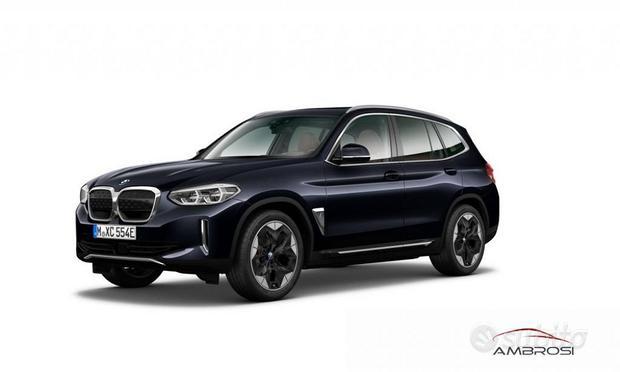 BMW iX3 Impressive Dark Interior Pack