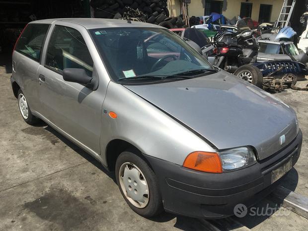 Ricambi Fiat Punto 1^serie 3 porte 1999