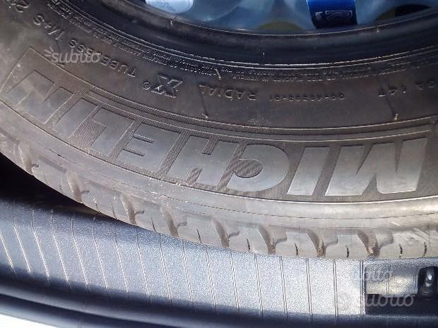 Gomme tires