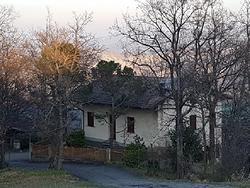 Villa con terreno e bosco