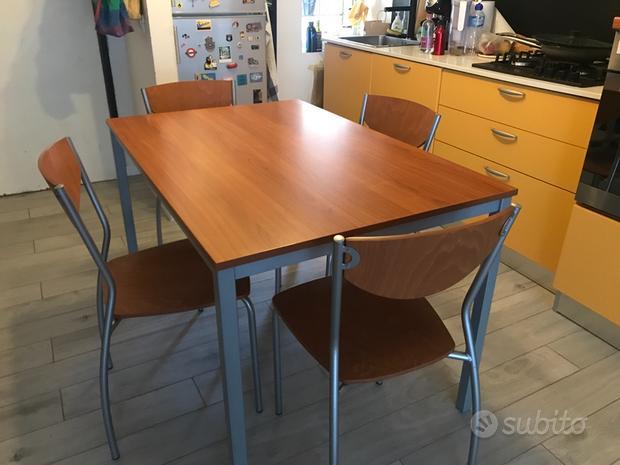 Cucina, tavolo, sedie, elettrodomestci a Bologna