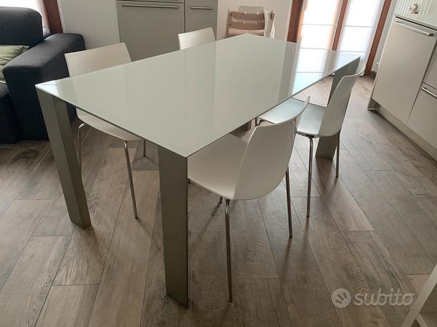 Tavolo + 4 sedie Veneta Cucine