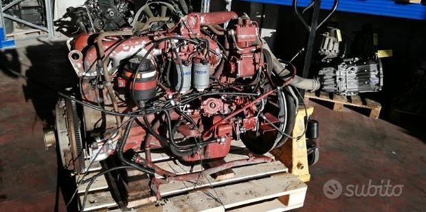 Motore Iveco EUROCARGO 100E15 8060.25R, usato