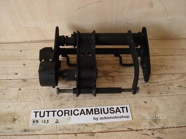 Supporto ruota Motore X9 125 180 250 piaggio