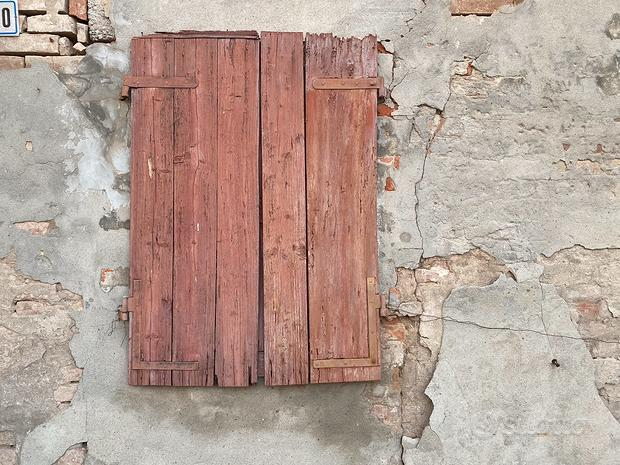 Porte e finestre ultra centenarie da arredo