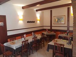 40 M Aziendasi ristorante sul confine
