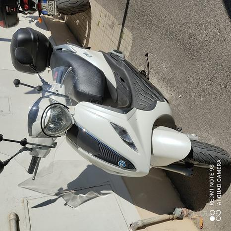 Scooter Piaggio Fly 125