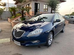 Lancia delta - platino - 2013 - distribuzione fatt