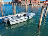 Barca conero delfino con 9.9 yamaha