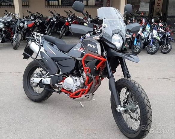 Moto turismo swm superdual 650 t - aziendale