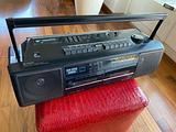 Radio e doppio mangiacassette vintage