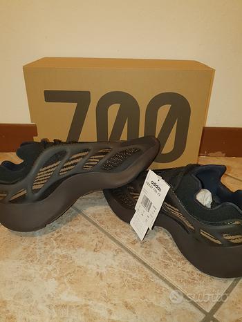 Yeezy 700 V3 Clay