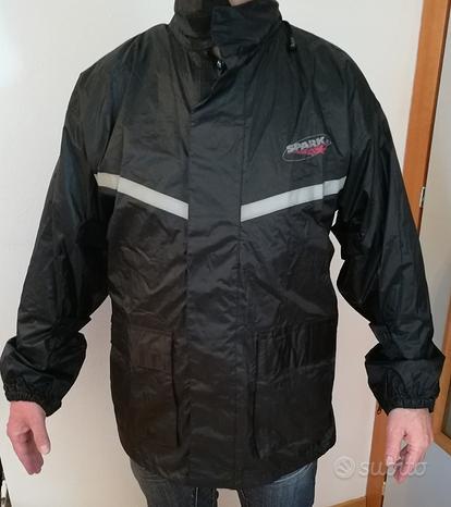 Abbigliamento anti pioggia moto