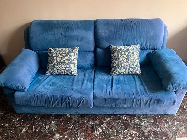 Divano Blu in velluto salotto