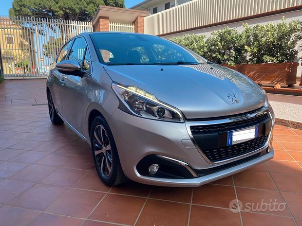 Peugeot 208 1.6 75cv allure full e in garanzia