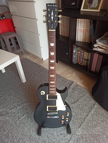 Chitarra elettrica Harley Benton