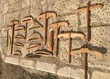 19 antiche grucce stampelle appendiabiti in legno
