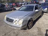 Mercedes benz clk 200 2002 per RICAMBI