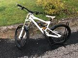 Bici MTB downhill Nicolai Ion