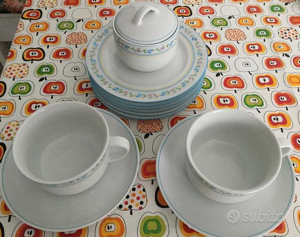 2 tazze colazione con 6 piattini e zuccheriera