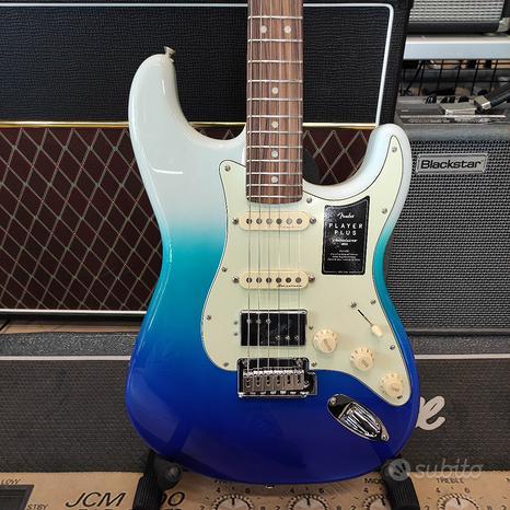 FENDER Player Plus Stratocaster HSS Belair Blue