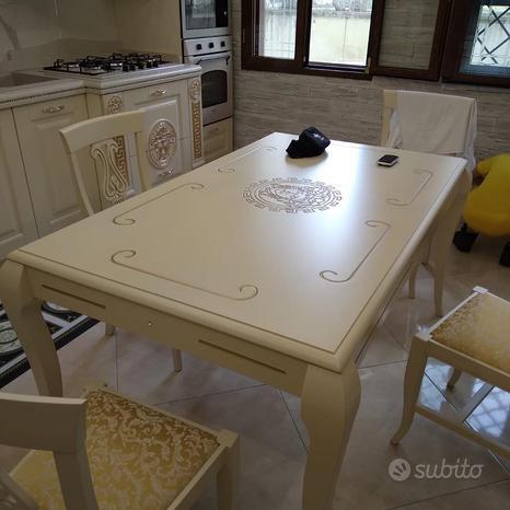 Tavoli e sedie classiche napoli